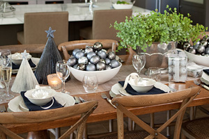 ymal pewter christmas table